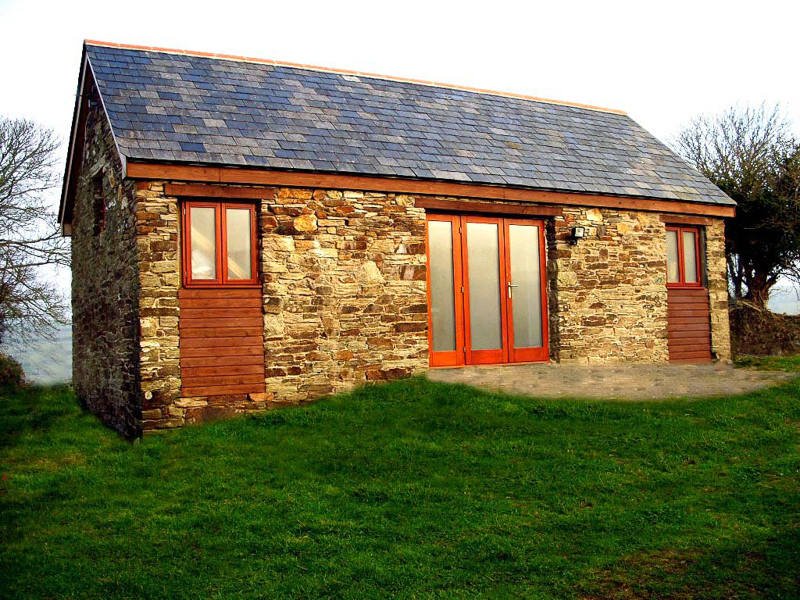 BARN CONVERSION - Definition and synonyms of barn conversion in the English  dictionary
