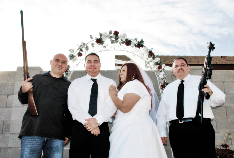 SHOTGUN WEDDING - Definition and synonyms of shotgun wedding in